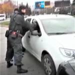 Отобрали авто и требовали 2 000 евро: троих мужчин задержали за вымогательство с угрозами (ВИДЕО)