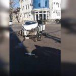 Серьёзная авария в центре: легковушка столкнулась с микроавтобусом (ВИДЕО)