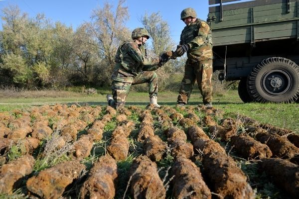 В Тараклии сапёры обезвредили несколько сотен взрывоопасных предметов