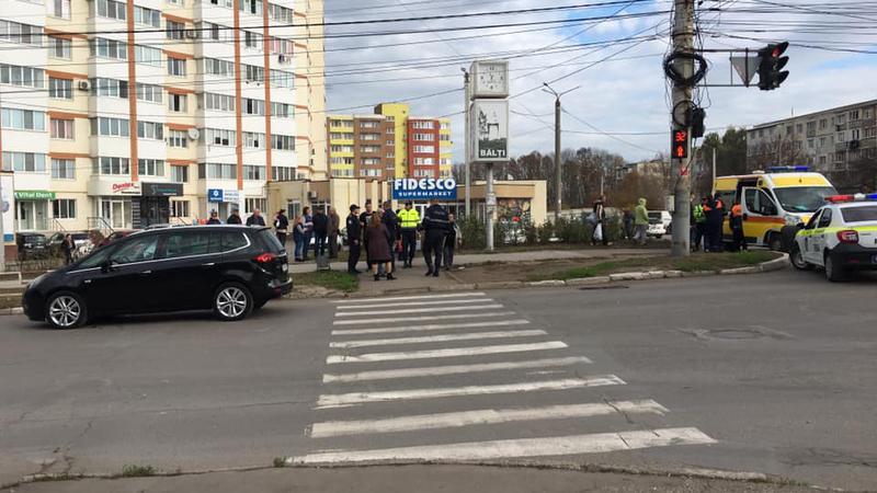 """В Бельцах прямо на """"зебре"""" сбили школьника"""