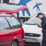Предприимчивый молдаванин купил права и попался с ними на границе