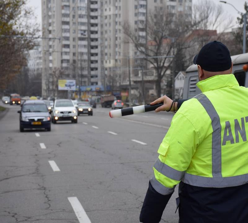 В столице продолжаются проверки водителей такси: какие нарушения обнаружены (ВИДЕО)