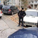 Угнали авто и поехали кататься по городу: двоих несовершеннолетних нарушителей поймали на Ботанике (ВИДЕО)