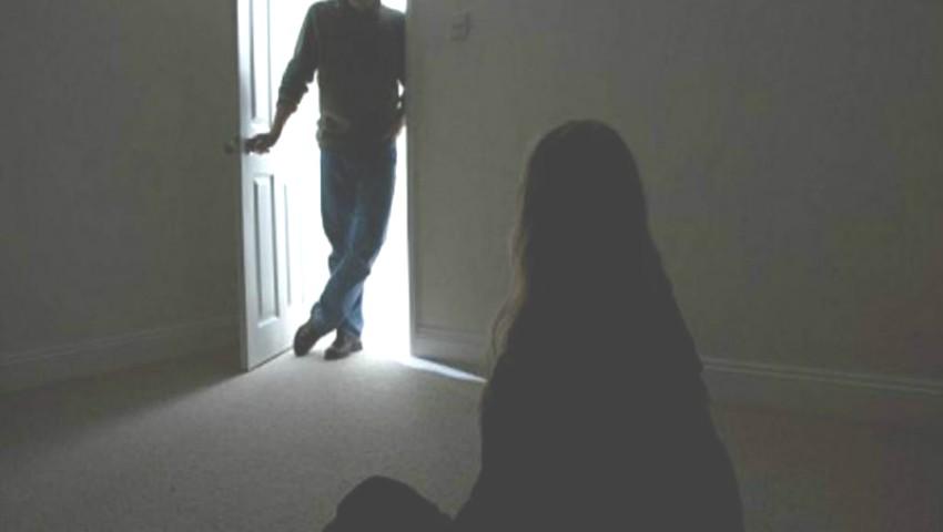 Молдаванка, работавшая няней в Румынии, пострадала от рук своих работодателей: они заперли её в комнате и избили