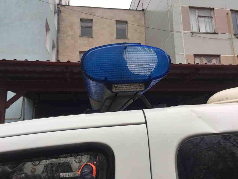 В Штефан-Водэ хулиган повредил машину скорой помощи (ФОТО)