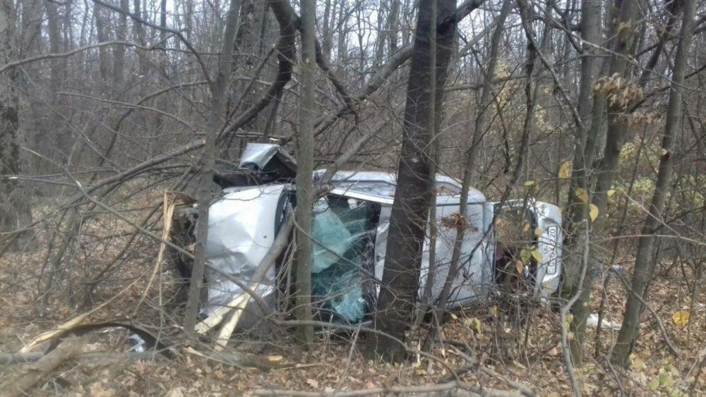 Жуткое ДТП в Оргееве: машину отбросило с дороги в лес (ФОТО)