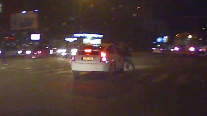 В Кишинёве таксист сбил пешехода: полиция задержала водителя