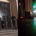 Неспокойная ночь: полиция задержала хулигана, который камнем разбил двери госучреждения и магазина (ФОТО)
