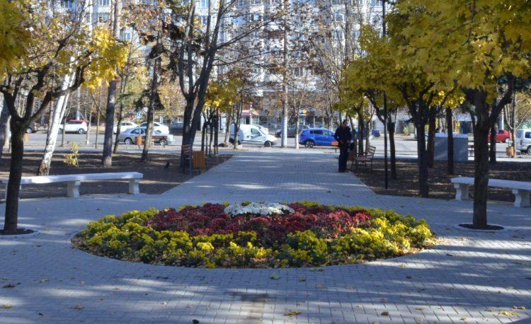 На Рышкановке появится современный сквер: работы завершатся через неделю (ФОТО)