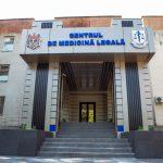 Махинации в Центре судебной медицины: у подозреваемых нашли десятки тысяч евро и леев