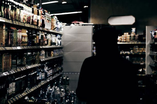 Обокрали два магазина за одну ночь: трое несовершеннолетних рыбничан попались в руки правоохранителей