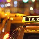 В столице пассажир угрожал водителю такси ножом