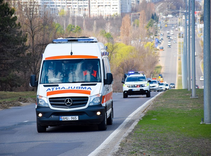 В Глодянах для госпитализации женщины с подозрением на коронавирус понадобилась помощь полиции (ВИДЕО)