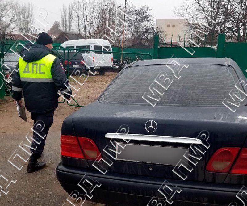 Патрульные устроили ночную погоню за нарушившим ПДД водителем в Бендерах (ФОТО)