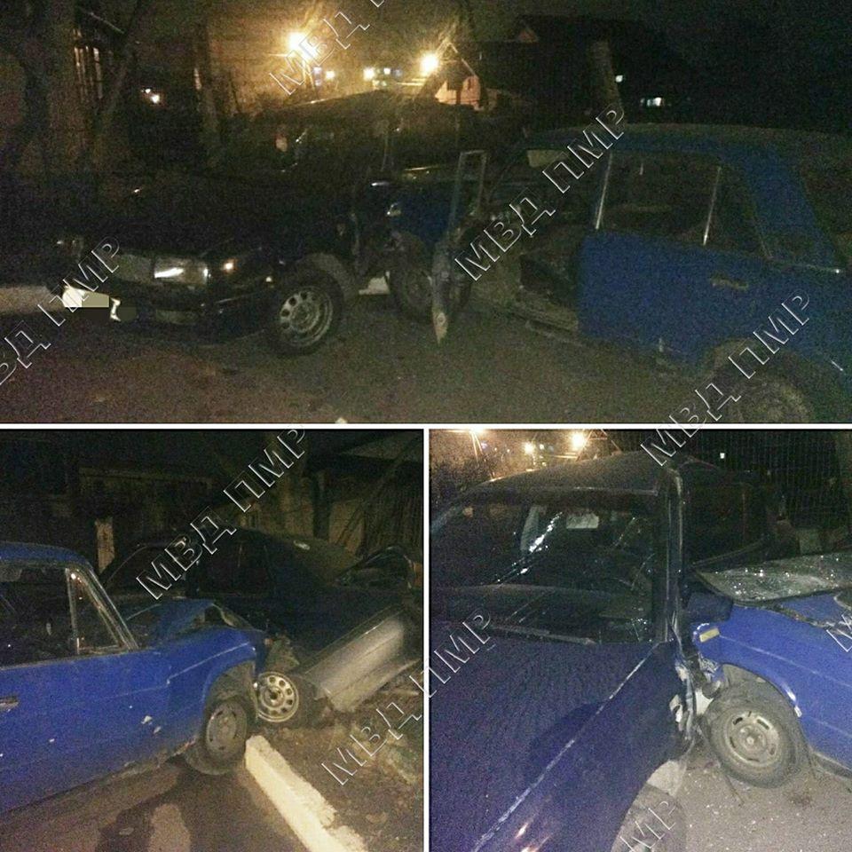 Отказали тормоза: в Дубоссарах ВАЗ протаранил припаркованное авто