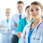Врачи и фармацевты с января будут получать более высокие единовременные пособия