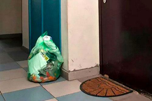 Бендерчанка сломала руку соседке из-за пакета с мусором