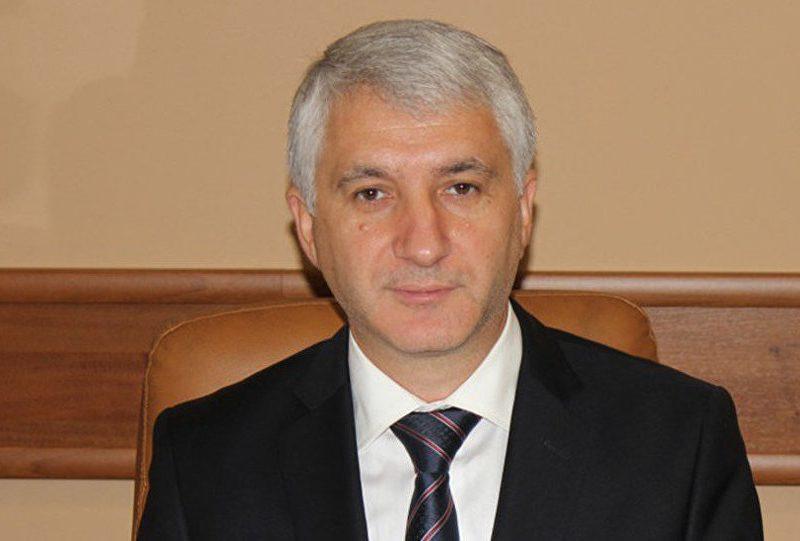 Константин Ботнарь сдал мандат депутата
