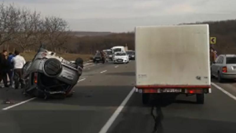 В Оргеевском районе перевернулся автомобиль (ФОТО, ВИДЕО)
