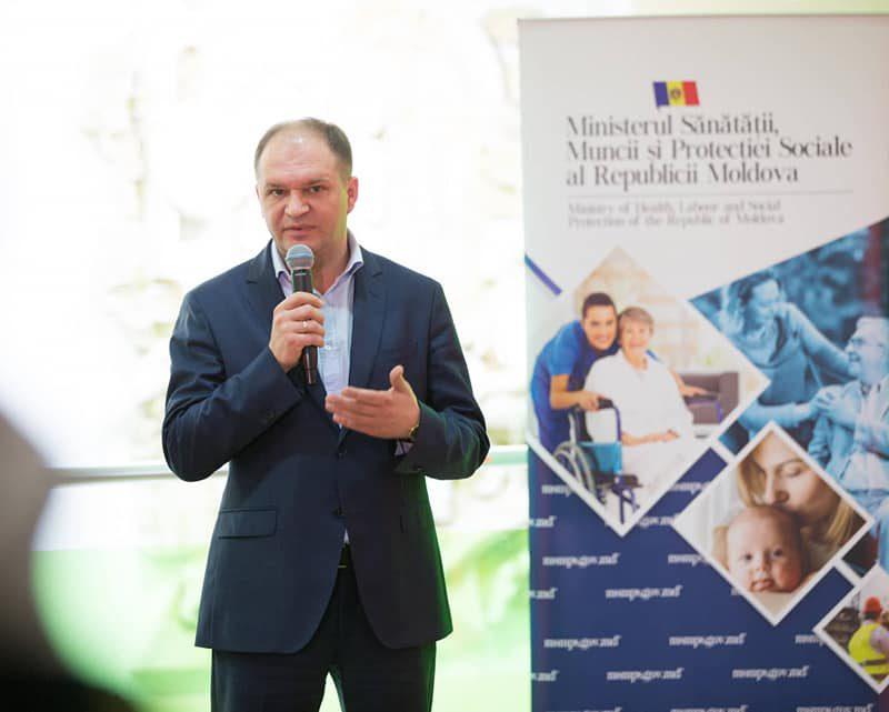 Ион Чебан посетил благотворительную ярмарку для людей с ограниченными возможностями (ФОТО)