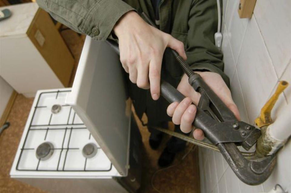 Украл плиту и сдал в металлолом, чтобы выпить: в Бендерах поймали вора-рецидивиста
