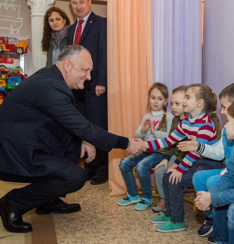 Игорь Додон посетил в Бельцах лицей и детсад (ФОТО, ВИДЕО)