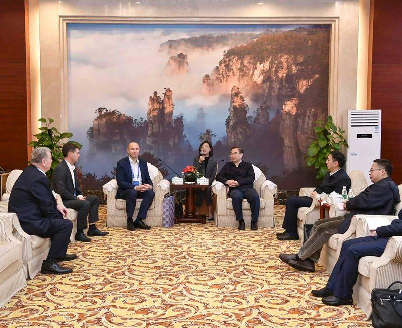 Примары-социалисты обсудили с главой китайского города Чжанцзяцзе вопросы урбанистического развития