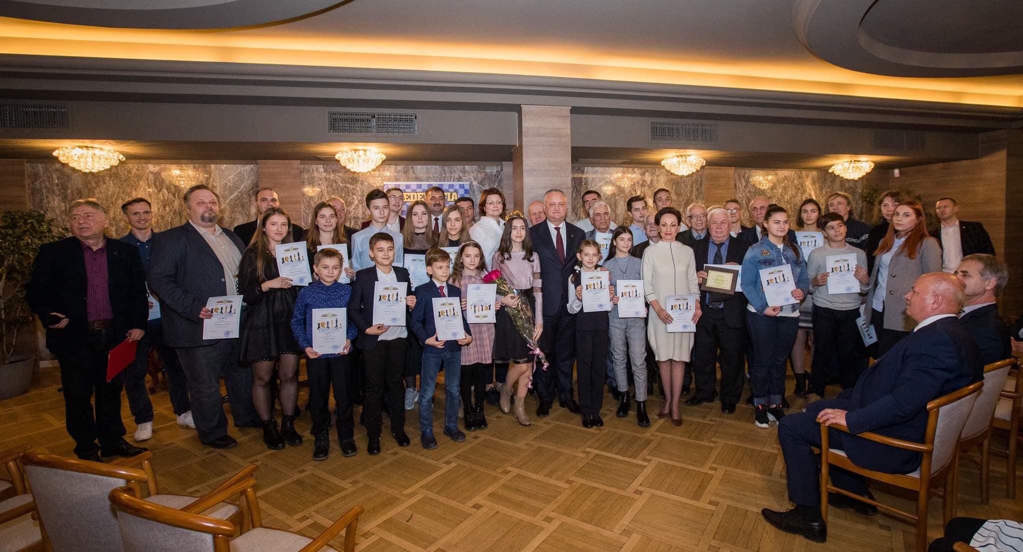 Игорь Додон наградил лучших шахматистов уходящего года (ФОТО)