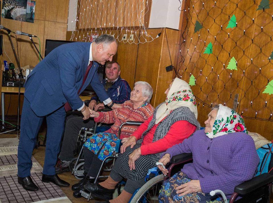 Социалисты предложат выделить материальную помощь пенсионерам и в октябре