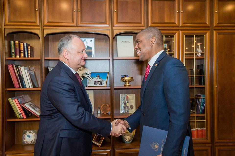 Президент провел встречу с послом США в Молдове (ФОТО, ВИДЕО)