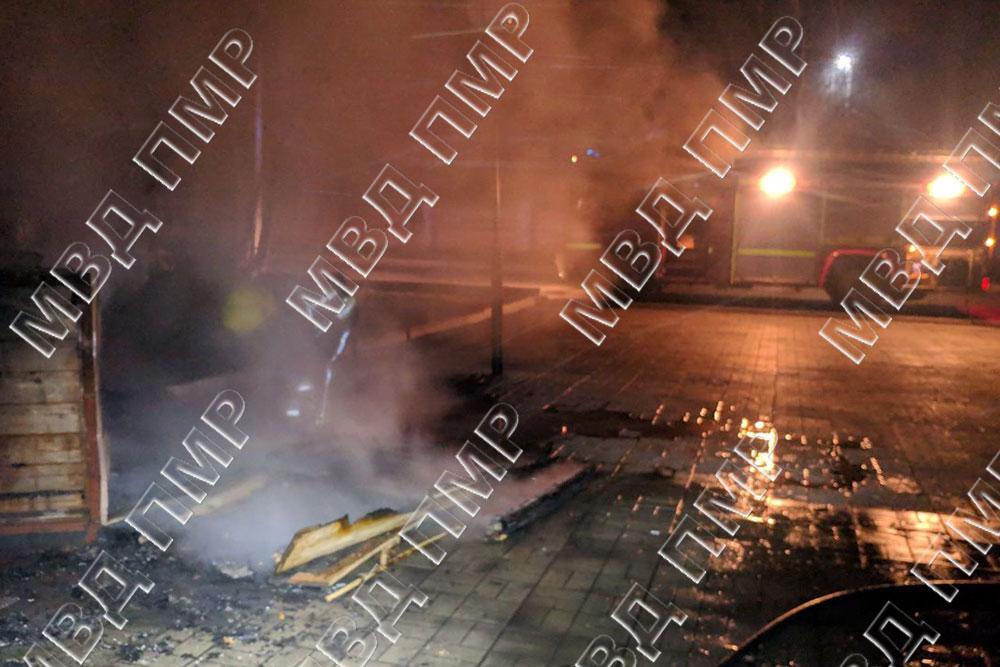 В Тирасполе из-за короткого замыкания загорелась сторожка (ФОТО)