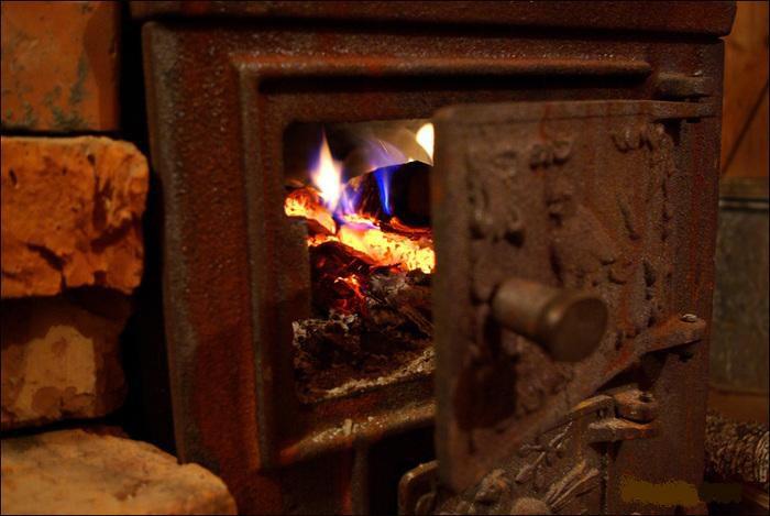 В Кантемире от отравления угарным газом погибла пожилая женщина