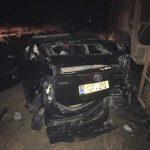 Поезд протаранил машину такси: есть пострадавшие (ФОТО)