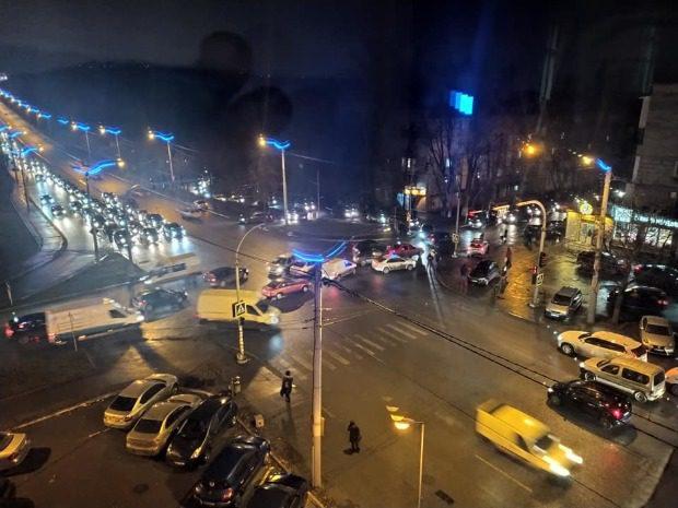 На Рышкановке произошло ДТП из-за водителя, нагло выехавшего на встречку (ФОТО)