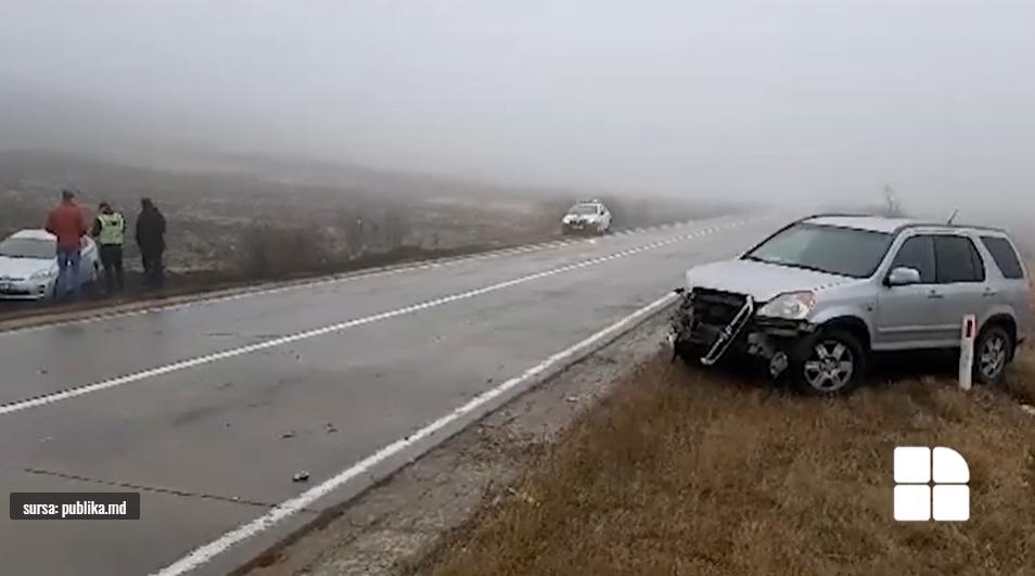 ДТП на трассе Кишинёв-Бельцы: две машины столкнулись и вылетели с трассы (ВИДЕО)