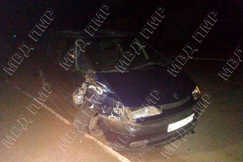 Пьяный и без прав: в Дубоссарах горе-водитель повредил чужое авто (ФОТО)