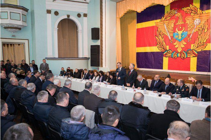 Премьер принял участие в заседании Совета по проблемам ветеранов (ФОТО)