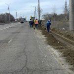 Кишинёв становится чище и опрятнее: службы примарии убирают улицы и сносят рекламные панно (ФОТО)