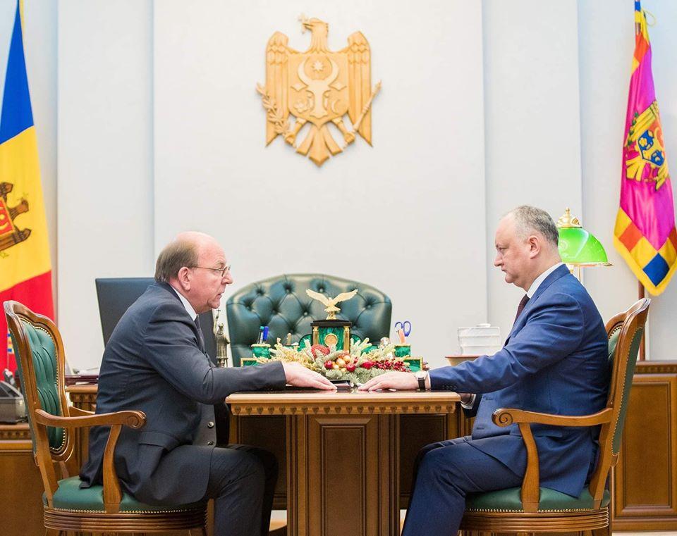 Президент встретился с послом России Олегом Васнецовым (ФОТО, ВИДЕО)