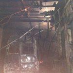 В Калараше сильный пожар повредил гараж и уничтожил автомобиль (ФОТО)