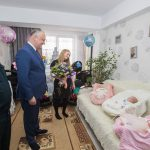 Тройное чудо: в семье офицера Нацармии после 12 лет ожидания родилась тройня. Малышей с подарками навестил президент (ФОТО, ВИДЕО)