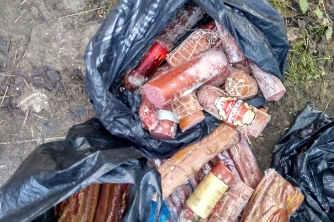 Более тонны продуктов питания было изъято по итогам проверок на рынках и в магазинах в Бельцах (ФОТО)