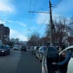ДТП в столице: водитель снёс открытую дверь автомобиля (ВИДЕО)