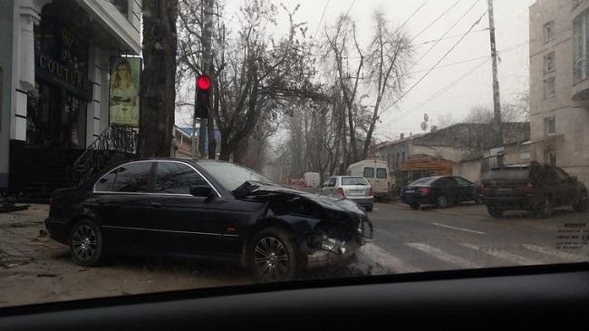 В результате серьёзного ДТП в центре столицы пострадала женщина (ФОТО)