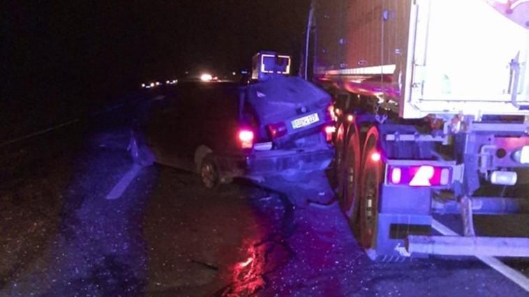Жуткое ДТП в Единцах: пьяный водитель врезался в трактор, а затем – в фуру (ФОТО)