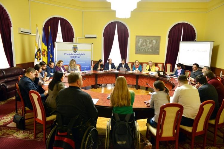 В примарии обсудили способы помощи пассажирам с ограниченными возможностями (ФОТО)