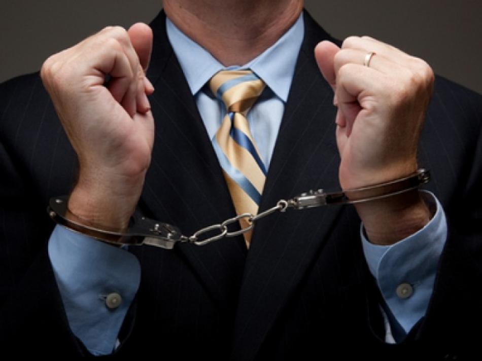 Столичный адвокат задержан за взятку в 14 000 евро
