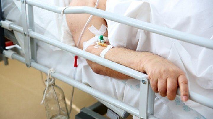 За неделю почти 40 человек попали в больницы с отравлениями