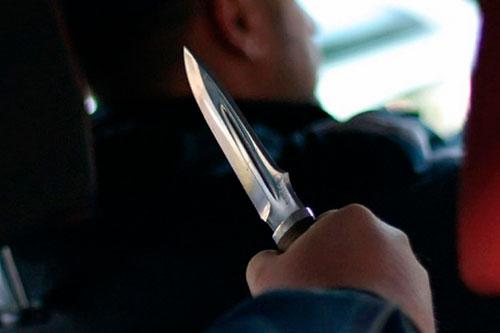 В Рыбнице таксист выпрыгнул из авто, испугавшись пассажира с ножом