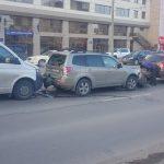Сразу 3 водителя стали участниками цепной аварии в столице (ФОТО)